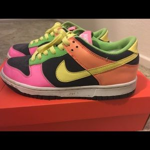 Colorful Nike Dunks Low size 6Y